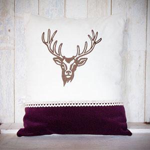 Ein Hirsch auf dem Sofa!